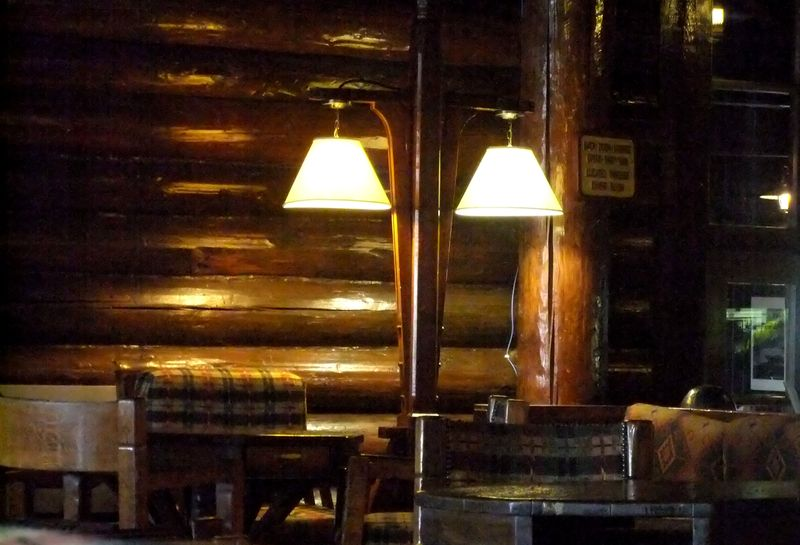 STARVED ROCK LODGE LOBBY 5 SITTING ROOM 2011