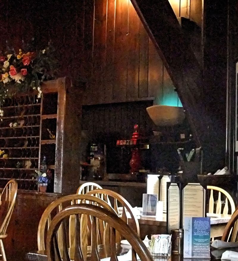 STARVED ROCK DINING ROOM TABLES NEXT TO WINDOWS CROPPED 2011